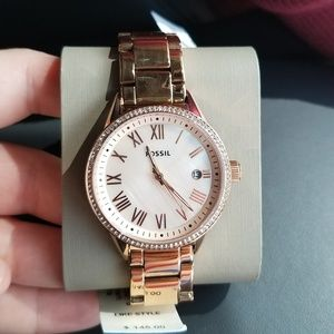 NWT Rose Gold Fossil Watch